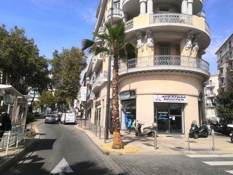 Aventure Scooter Cannes extérieur