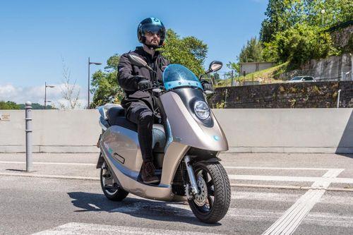 Les scooters électriques eccity sont disponibles à Bourg-en-Bresse