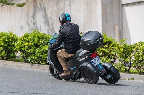 Les scooters électriques eccity sont disponibles à Grenoble